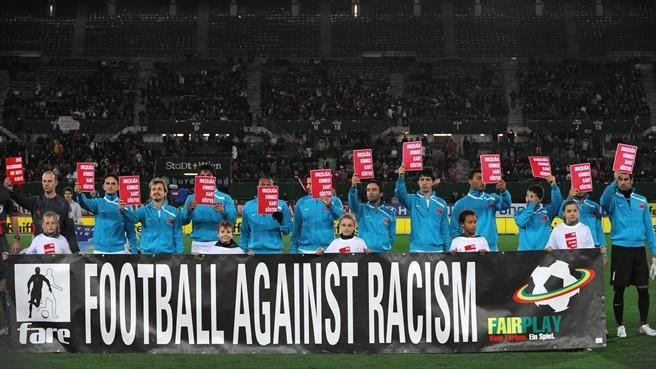 """""""Arrazakeriaren kontra"""" dago futbola, baina (Uefa.com)"""
