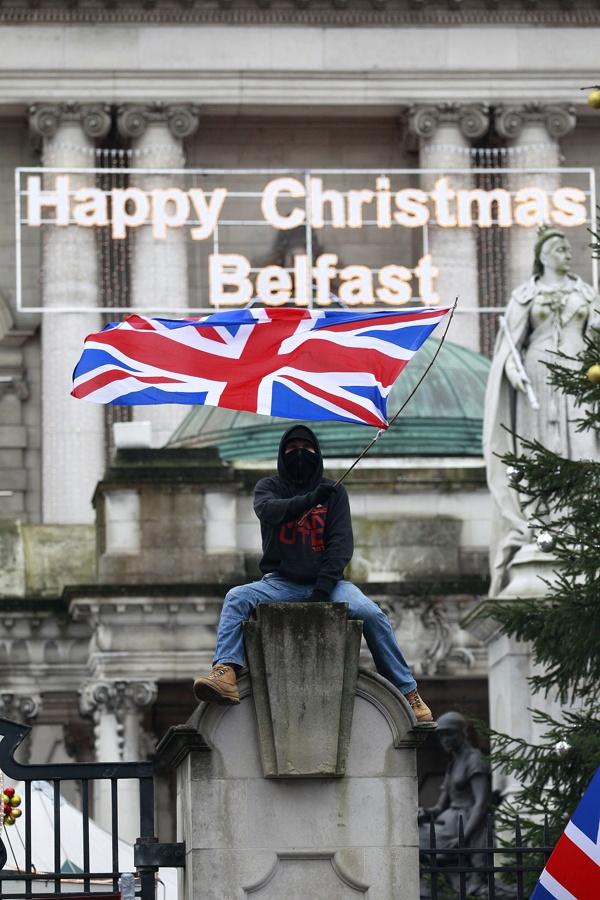 Gabon zoriontsuak Belfasten.