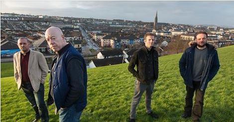 Britainiako militar ohiak Derryn, Irlanda Iparraldean. (Arg: The Guardian)