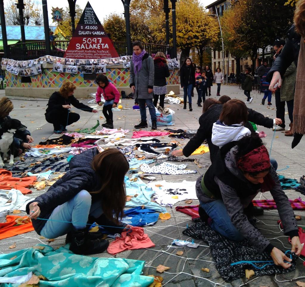 Eskultura kolektiboa sortzen Arg: OarsoIrriak
