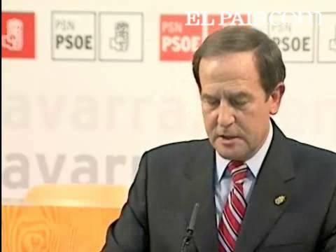 Fernando Puras 2007an dimisioa aurkeztu zuen egunean, PSNk NaBairekin lortutako akordioari PSOEk ezetza eman ondoren.
