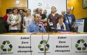 Zero Zabor Bizkaia taldeko kideak agerraldi publikoan. (Argazkia: Naiz)-
