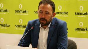 Denis Itxaso San Markoko lehendakariak aurkeztu zituen orain auzitegiek baliogabetu gabeko aurrekontuak. (Argazkia: eldiario.es)